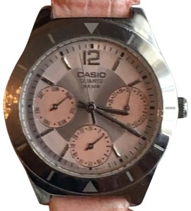 Casio (LTP2069L-4A) Women's Stainless Steel Watch w/ Pink Leather Strap