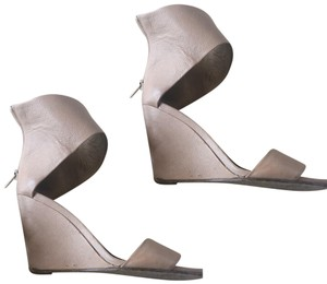 1ee4b1b34a2 Women s Vince Shoes - Up to 90% off at Tradesy