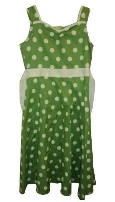 Preload https://img-static.tradesy.com/item/244/urban-outfitters-green-and-white-polka-dots-casual-maxi-dress-size-6-s-0-0-650-650.jpg