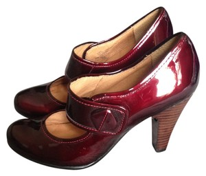 Sofft Red Mary Jane Patent Patent Burgundy Pumps