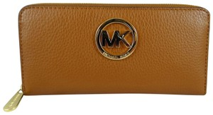 Michael Kors Leather Wallet 888235860381 Wristlet in luggage