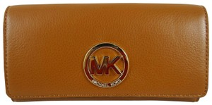 Michael Kors Leather Wallet 887042905759 Wristlet in Luggage