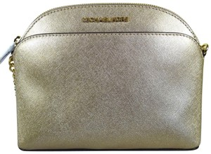 d18aa890ec2d Gold Michael Kors Cross Body Bags - Up to 90% off at Tradesy