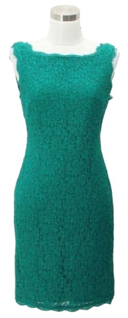 Item - Green A90 Designer Small Lace Form Short Formal Dress Size 4 (S)