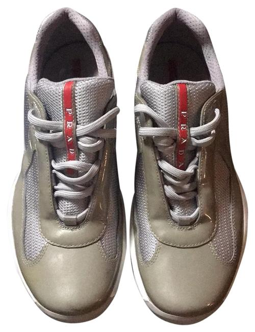 Item - Grey Silver Sneakers Size US 9 Regular (M, B)