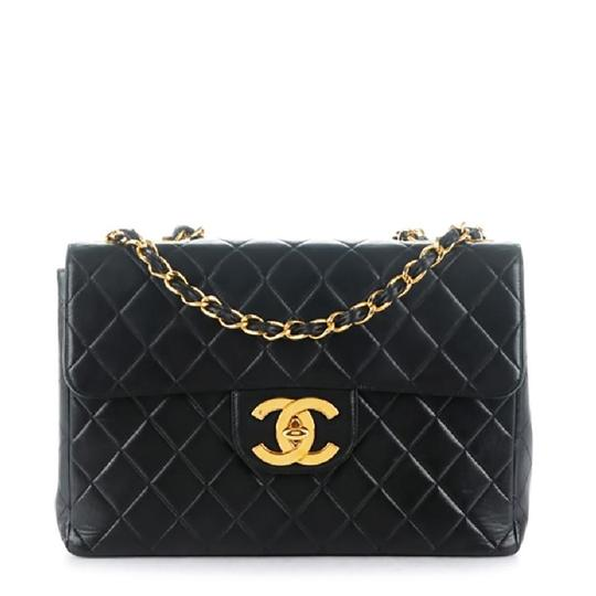 Preload https://img-static.tradesy.com/item/24403861/chanel-classic-flap-quilted-xl-jumbo-black-lambskin-leather-shoulder-bag-0-0-540-540.jpg