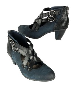 Earth Amber Leather Zip Up Crisscross Strap Ankle Blue Black Boots
