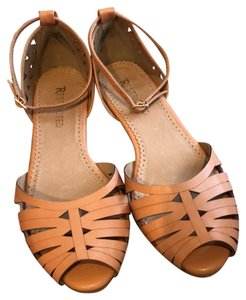 Restricted nude/peach Flats