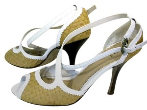 Bakers Crisscross White Trim Peep Toe Weave Straw Pumps
