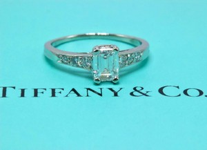 8175ca1db Tiffany & Co. E Si1 Co Vintage Platinum Diamond Emerald Rounds Engagement  Ring