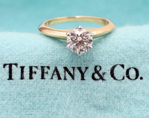 Tiffany & Co. H Vs1 Co Diamond Round 0.81 Ct 18k Gold Engagement Ring