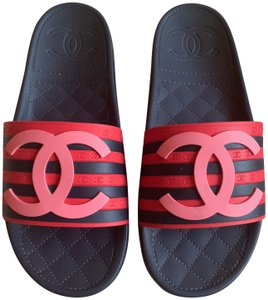 Chanel Slides Vinatge Logo Highend navy, light pink, red Flats