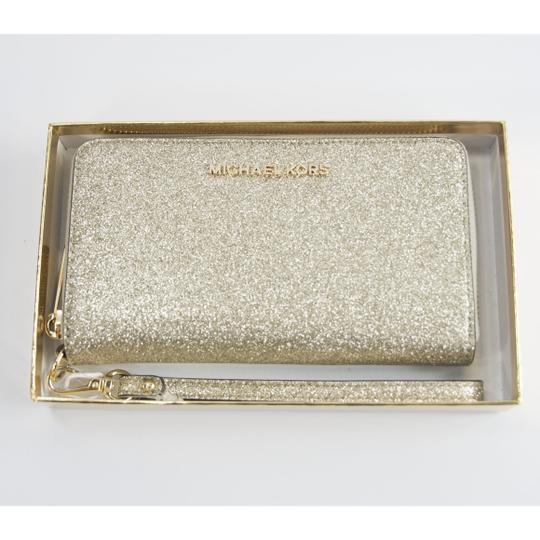 Michael Kors Michael Kors Gold Glitter Leather Flat Multifunction Phone Wallet Image 11