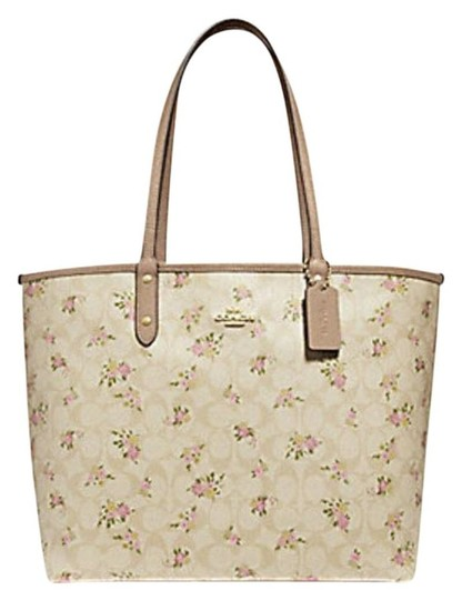 Preload https://img-static.tradesy.com/item/24406836/coach-city-reversible-zip-in-signature-w-daisy-bundle-f31776-multicolor-leather-trim-tote-0-0-540-540.jpg