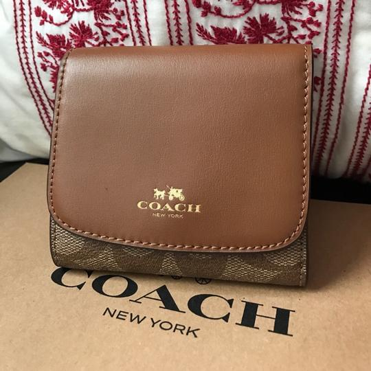 Cosch coach women's wallet new with gift box Image 1
