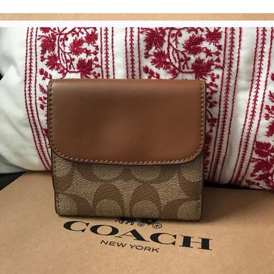 Cosch coach women's wallet new with gift box Image 2
