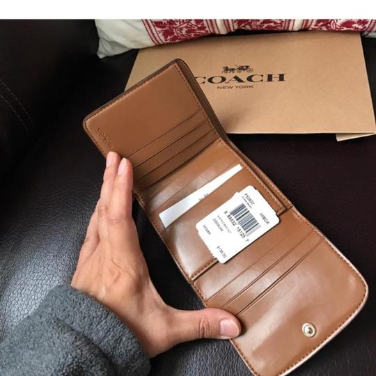 Cosch coach women's wallet new with gift box Image 3