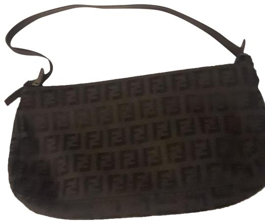 Preload https://img-static.tradesy.com/item/24407030/fendi-zucca-monogrammed-black-canvas-clutch-0-1-540-540.jpg