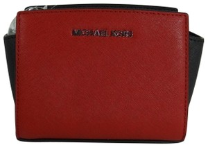 Michael Kors Leather 888235398259 Scarlet Black Messenger Bag