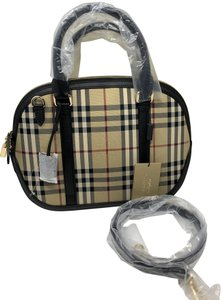b3664c0d6d51 Burberry Horseferry - Up to 70% off at Tradesy