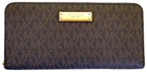 Michael Kors Wallet Pvc 190864517360 Wristlet in Brown