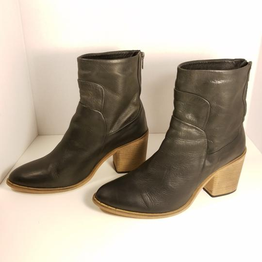 Preload https://img-static.tradesy.com/item/24407839/free-people-black-leather-ankle-bootsbooties-size-eu-41-approx-us-11-regular-m-b-0-0-540-540.jpg