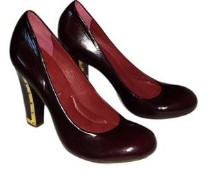 BCBGMAXAZRIA Patent Leather Platform Retro Burgundy with Gold Accents Pumps