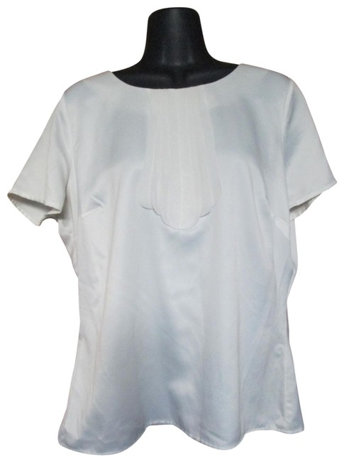 Preload https://img-static.tradesy.com/item/24407981/east-5th-essentials-white-blouse-size-14-l-0-1-650-650.jpg