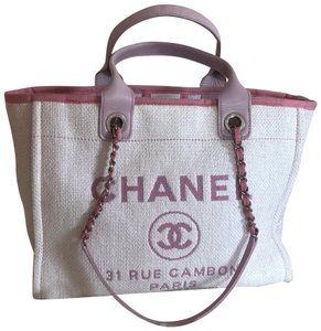 Chanel Tote in white/pink