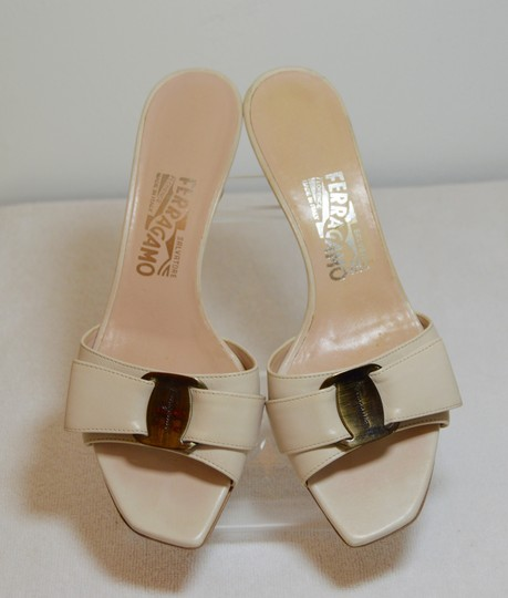Salvatore Ferragamo Low Heel All Leather Never Out Of Style. Cream Sandals Image 3