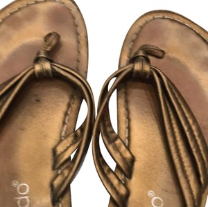 Bernardo gold bronze metallic Sandals