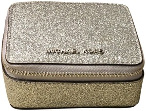 Michael Kors Travel Jewelry case/with Gift Bag