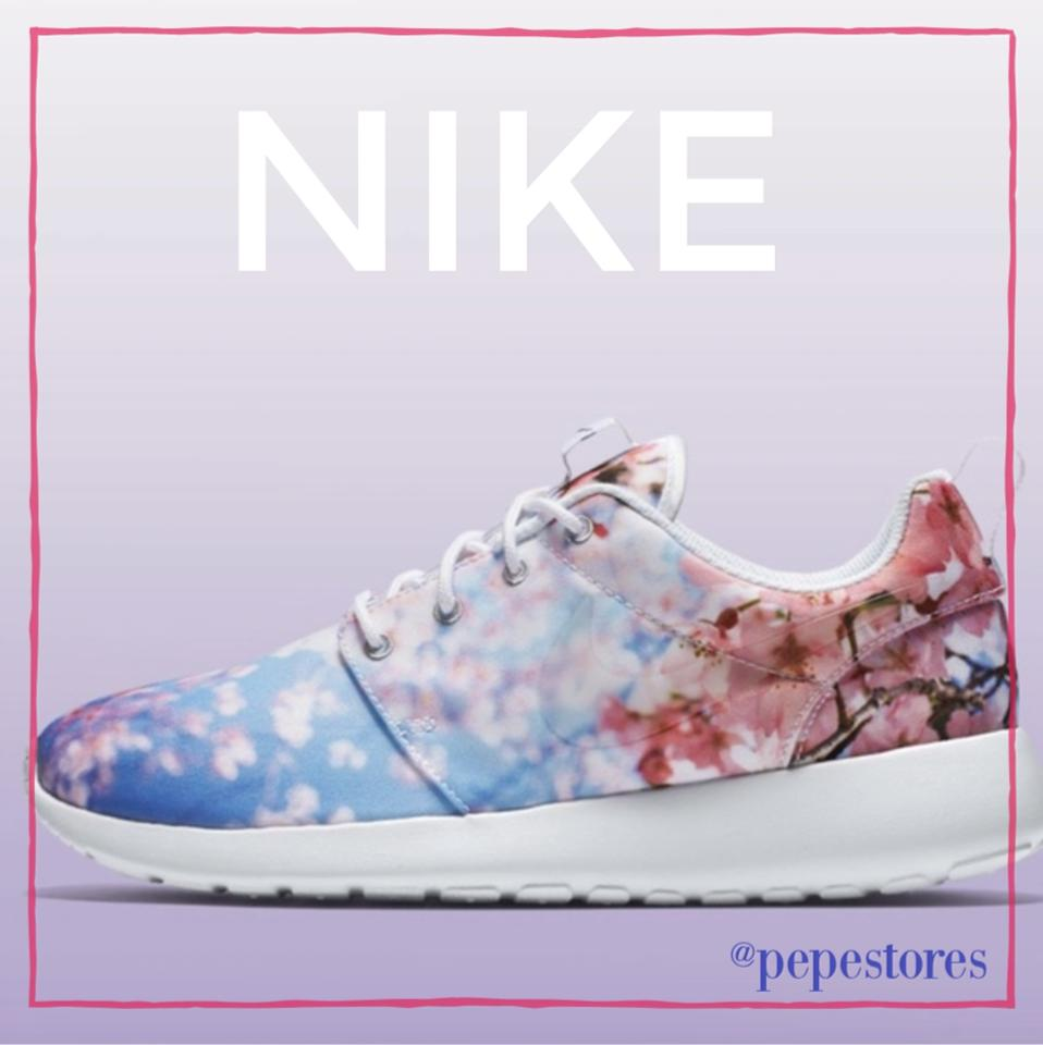 b386d9830b480 Nike Pink and Purple Floral New Rare Roshe One Cherry Blossom Sneakers