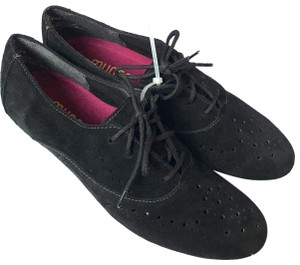 Munro Suede Perforated Lace-up Oxford Black Flats