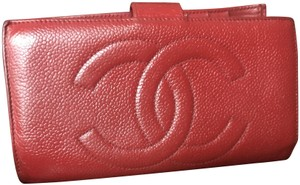 Chanel Chanel red caviar bifold wallet