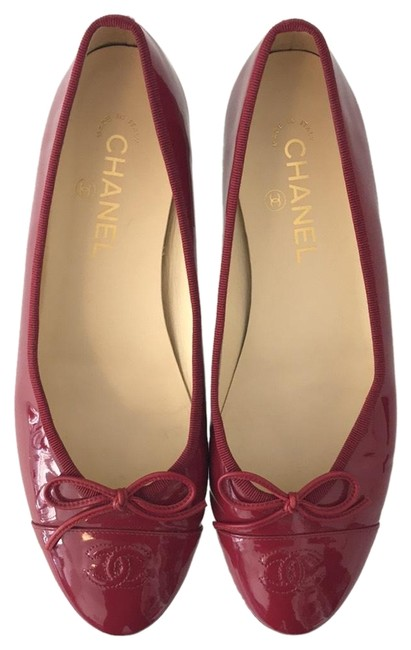 Item - Berry Red Cc Patent Leather Ballerina Cap Flats Size US 10 Wide (C, D)