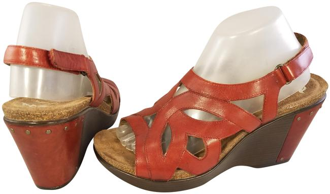 Item - Red Woman Platform Sandals Studded 41/ 10 Wedges Size EU 41 (Approx. US 11) Regular (M, B)