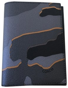 Coach NWT Coach Passport Case with Camo Print F31659