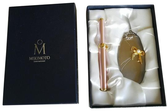 Preload https://img-static.tradesy.com/item/24414270/mikimoto-silvertonepearl-and-pink-and-goldtone-pearl-lip-applicator-handbag-mirror-with-0-1-540-540.jpg