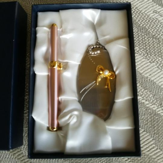 Mikimoto Mikimoto Pearl... Lip applicator and Handbag mirror with pearl