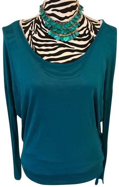 Preload https://img-static.tradesy.com/item/24414584/bella-luxx-turquoise-blouse-size-10-m-0-1-650-650.jpg