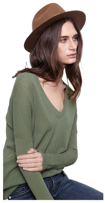 Preload https://img-static.tradesy.com/item/24415004/zadig-and-voltaire-preppy-ve-long-sleeve-green-sweater-0-3-650-650.jpg