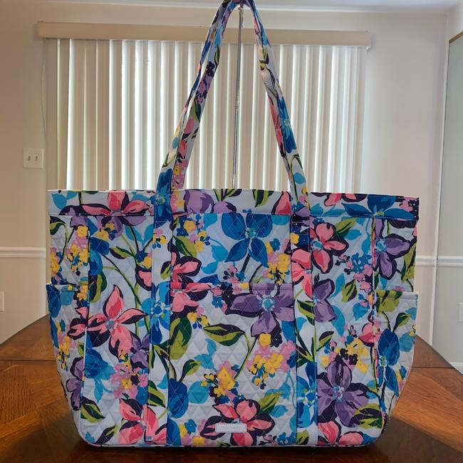 Item - Get Carried/Get Going Marian Floral Multicolor Cotton Tote