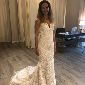 Hayley Paige White with A Champagne Underlay Sequined West Formal Wedding Dress Size 6 (S)