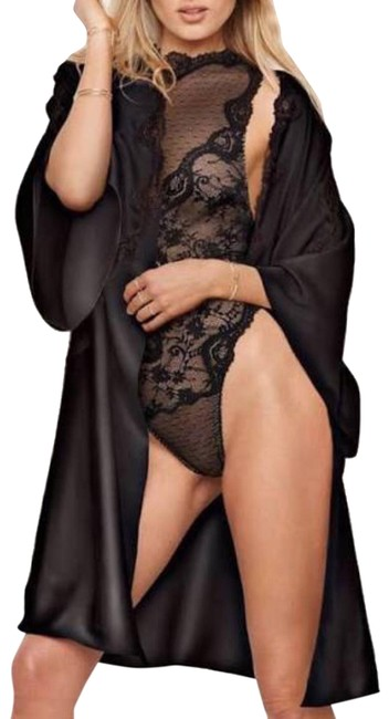 Preload https://img-static.tradesy.com/item/24417153/victoria-s-secret-black-dream-angels-floral-lace-kimono-robe-xss-tunic-size-4-s-0-1-650-650.jpg