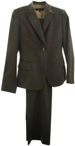 Anne Klein Form fitting jacket and pants