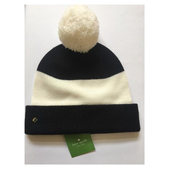 Preload https://img-static.tradesy.com/item/24419683/kate-spade-black-cream-color-beanie-hat-0-0-540-540.jpg