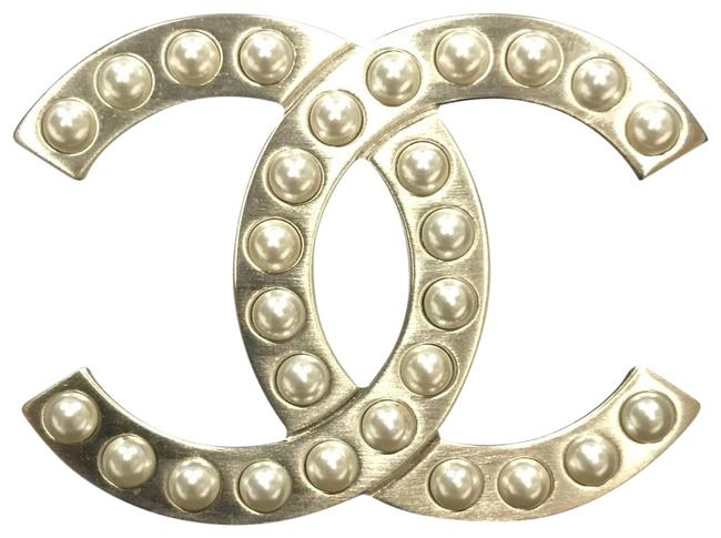 Chanel Golden Classic Pearly Brooch Chanel Golden Classic Pearly Brooch Image 1