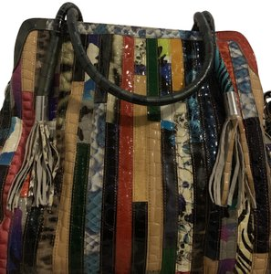 AmeriLeather Satchel in Multi colored with animal print