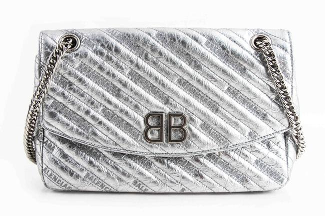 Item - Shoulder Round Medium Metallic Chain Silver Lambskin Leather Cross Body Bag